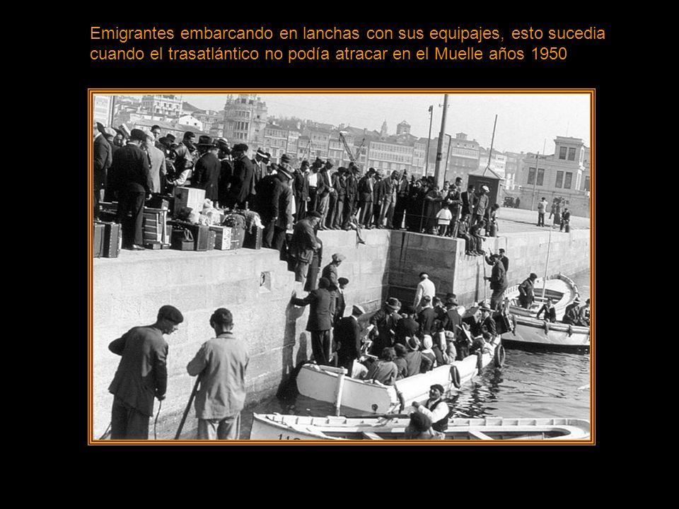 Esta Imagen es muy famosa entre los emigrantes se puede ver el rostro del padre e hijo años 1950