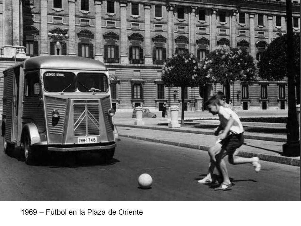 1969 – Fútbol en la Plaza de Oriente