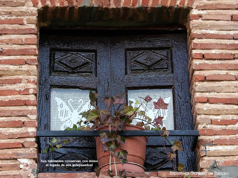 Las calles mantienen la arquitectura tradicional porticada