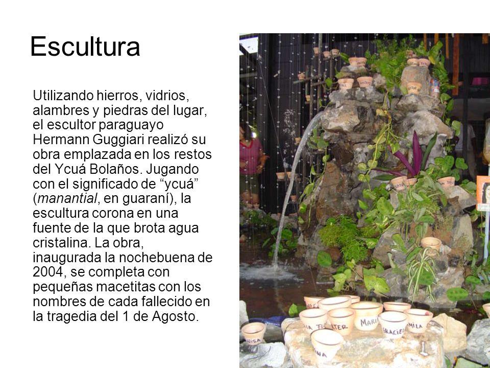 Escultura Utilizando hierros, vidrios, alambres y piedras del lugar, el escultor paraguayo Hermann Guggiari realizó su obra emplazada en los restos de