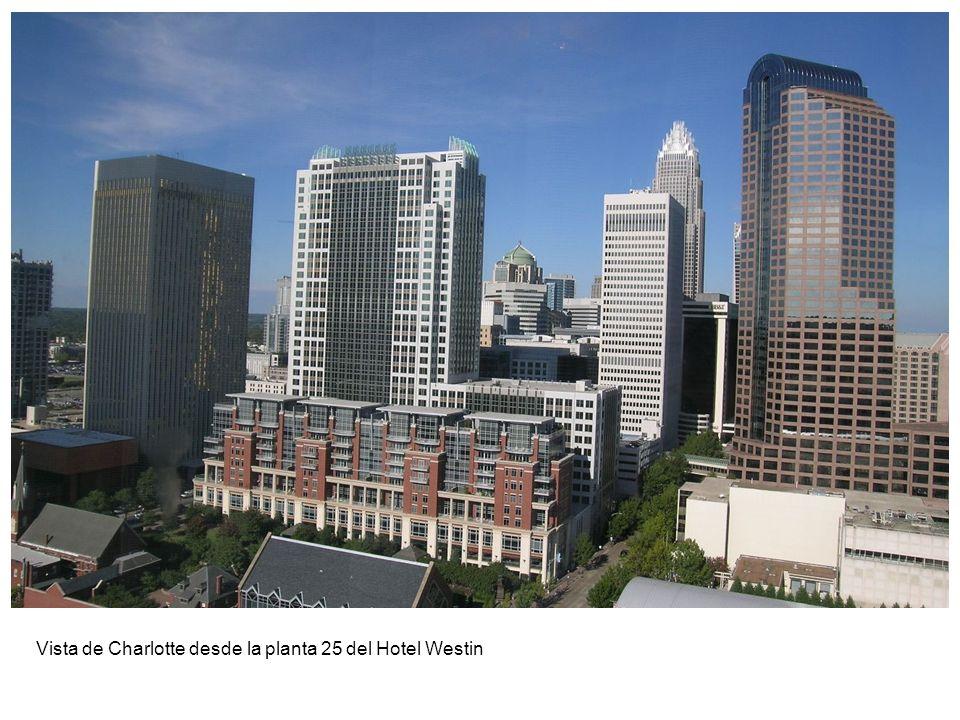 Vista de Charlotte desde la planta 25 del Hotel Westin