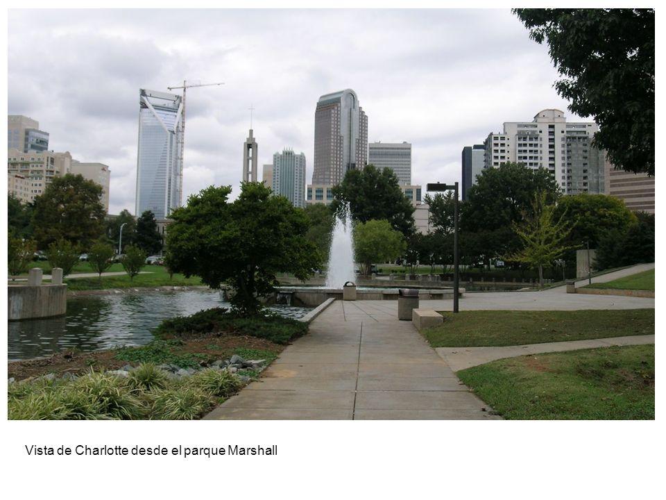 Vista de Charlotte desde el parque Marshall