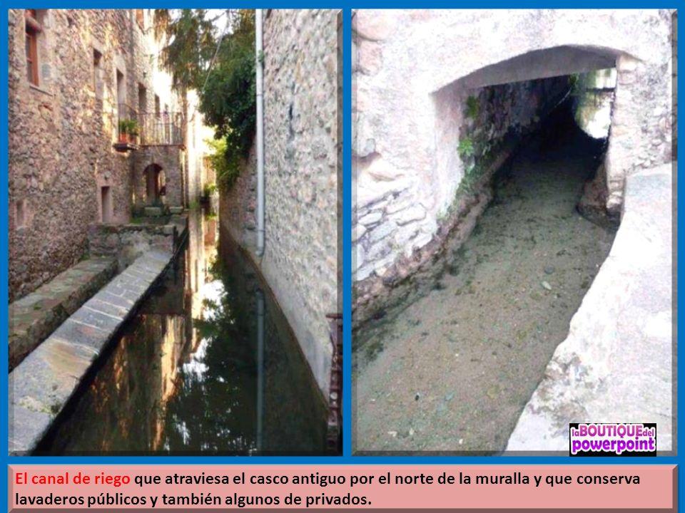 El núcleo de Sant Llorenç de la Muga se encuentra en un recinto amurallado que data del siglo XIV-XV. El núcleo es gran interés lleno de sitios de gra