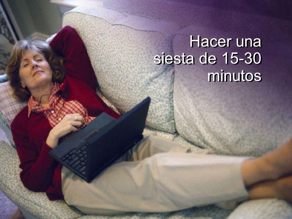 Hacer una siesta de 15-30 minutos