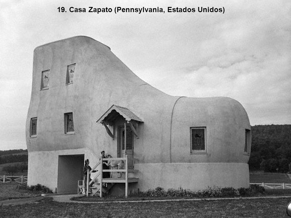 18. Casa Piedra (Guimarães, Portugal)