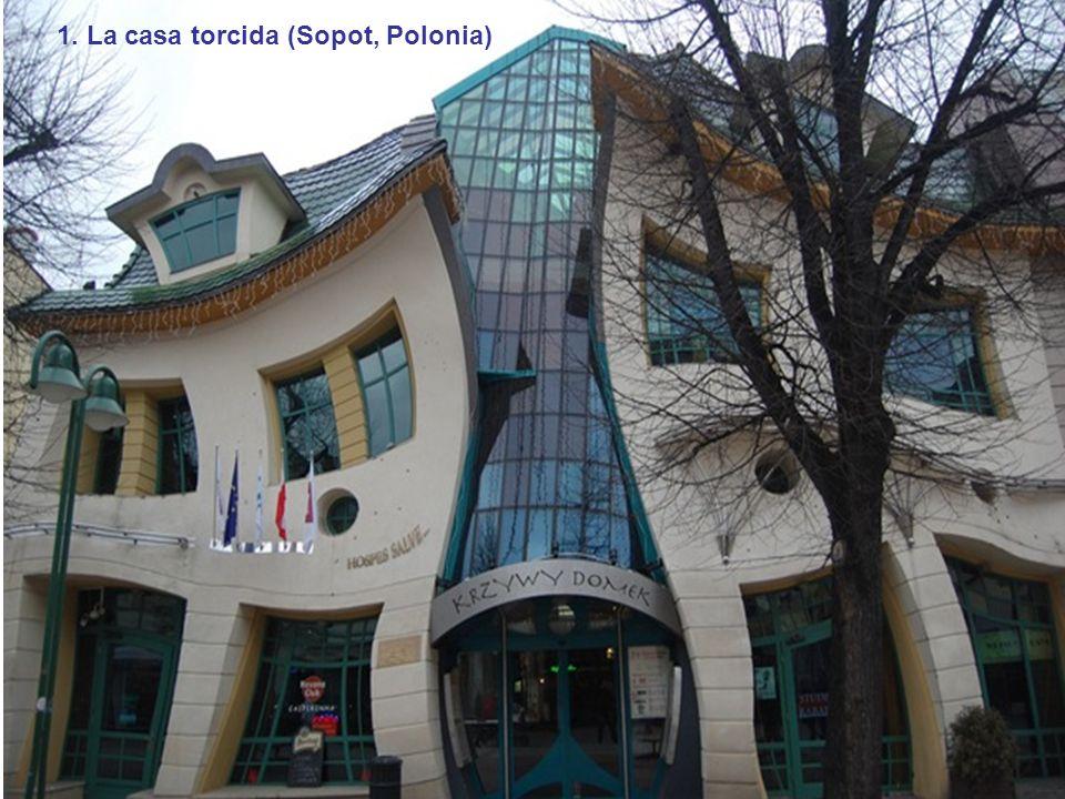 11. Capilla en la Roca (Arizona, Estados Unidos)12. Edificio Danzante (Praga, Republica Checa)
