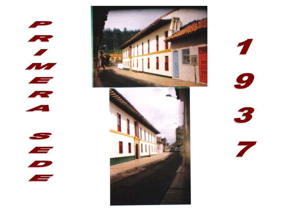 RESEÑA HISTORICA DEL LICEO NACIONAL FEMENINO En 1993 se reunieron el alcalde y el personero junto con otros miembros de la comunidad, para proponer qu