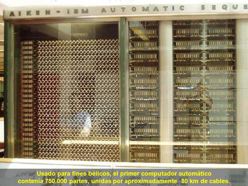 En 1943, por encargo de la Marina Norteamericana, la IBM construyó el Mark I, totalmente electromecánico, con 17 mts de largo, 2,5 mts de altura y 5 t