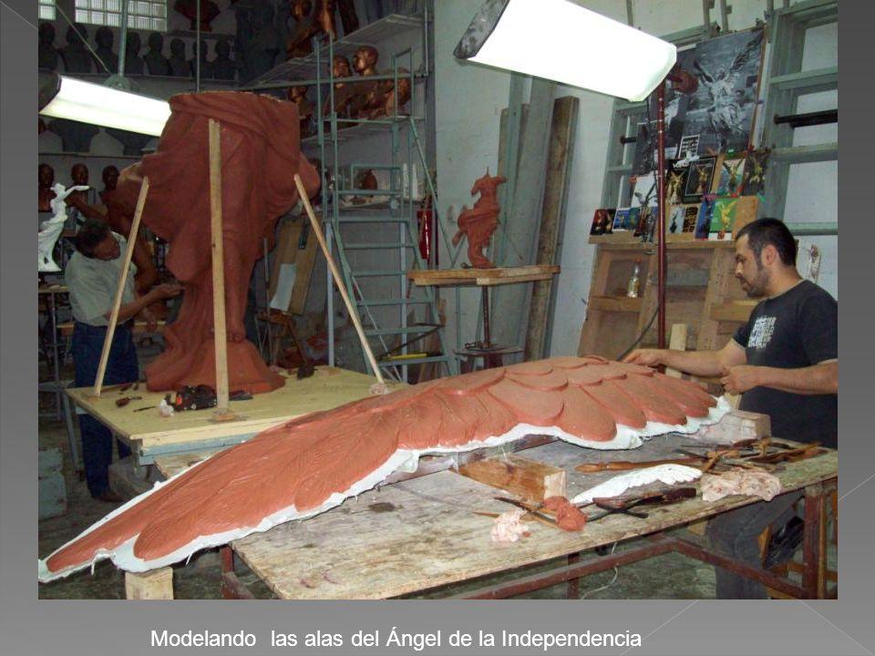 Modelando las alas del Ángel de la Independencia