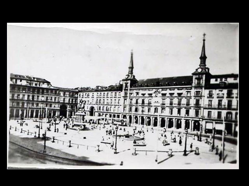 Plaza Mayor, 1961 Fondo Fotográfico Santos Yubero. Archivo Regional de la Comunidad de Madrid