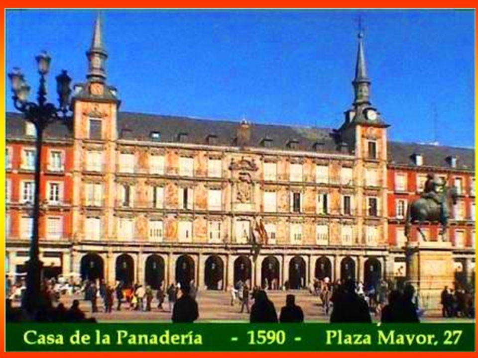 Casa de los Cinco Gremios - 1788 - Plaza Jacinto Benavente - En el siglo XVII los gremios más importantes de la capital fundaron una organización económica llamada los Cinco Gremios Mayores.