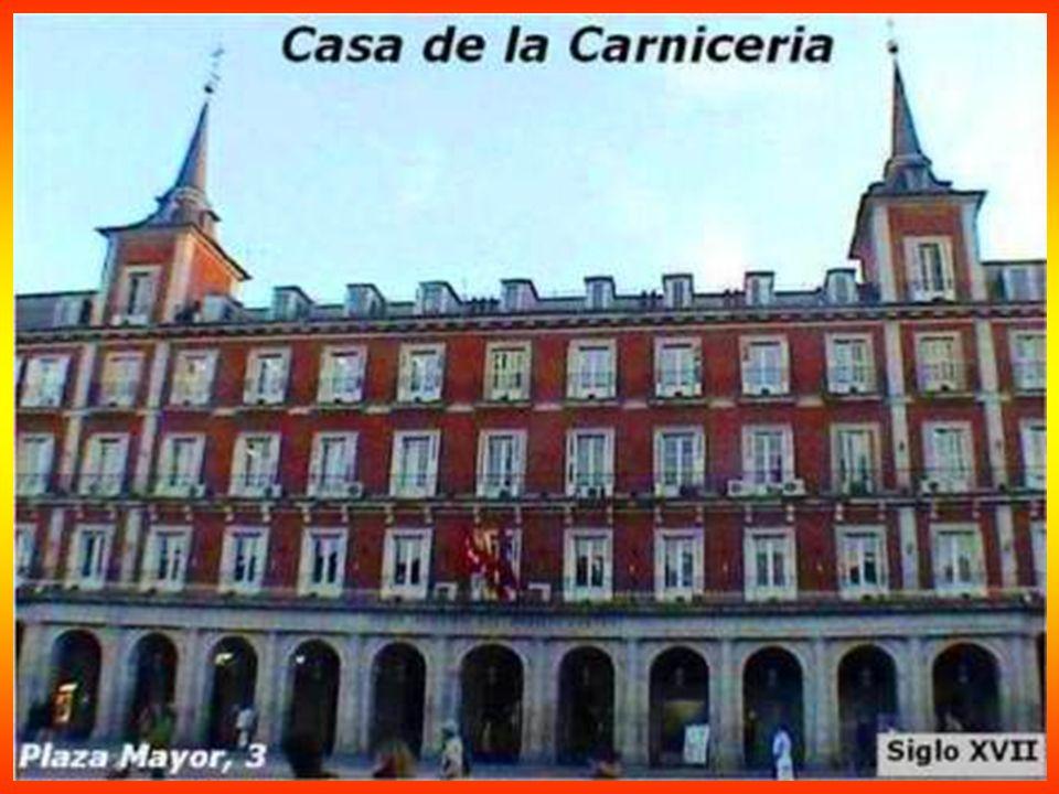 Congreso de los Diputados 1850 Su fachada principal a la Carrera de San Jerónimo, en la que resalta el pórtico de acceso corintio de seis columnas, rematado por un frontón con relieves de Ponciano Ponzano, que representan a España abrazando la Constitución.