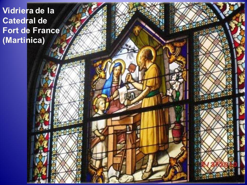Catedral de Saint-Louis en Fort-de-France Fue diseñada por el arquitecto parisino Pierre-Henri Picq y erigida entre 1891 y 1895. Es el séptimo templo