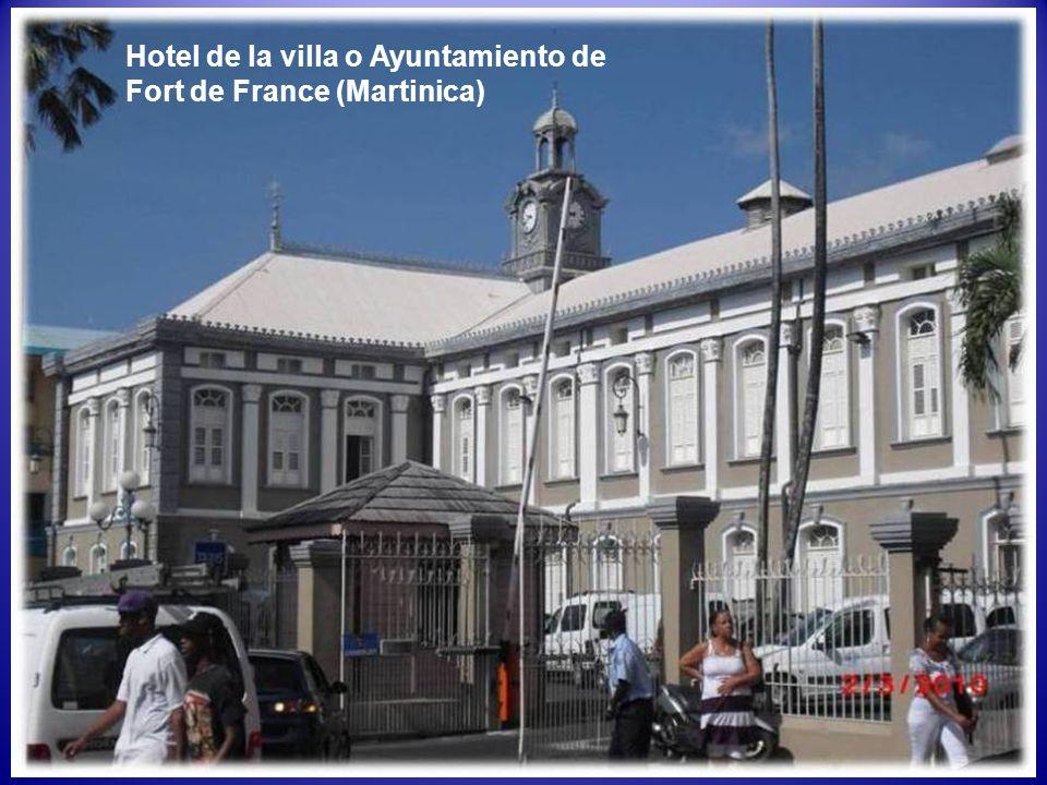 Hotel de la villa o Ayuntamiento de Fort de France (Martinica)