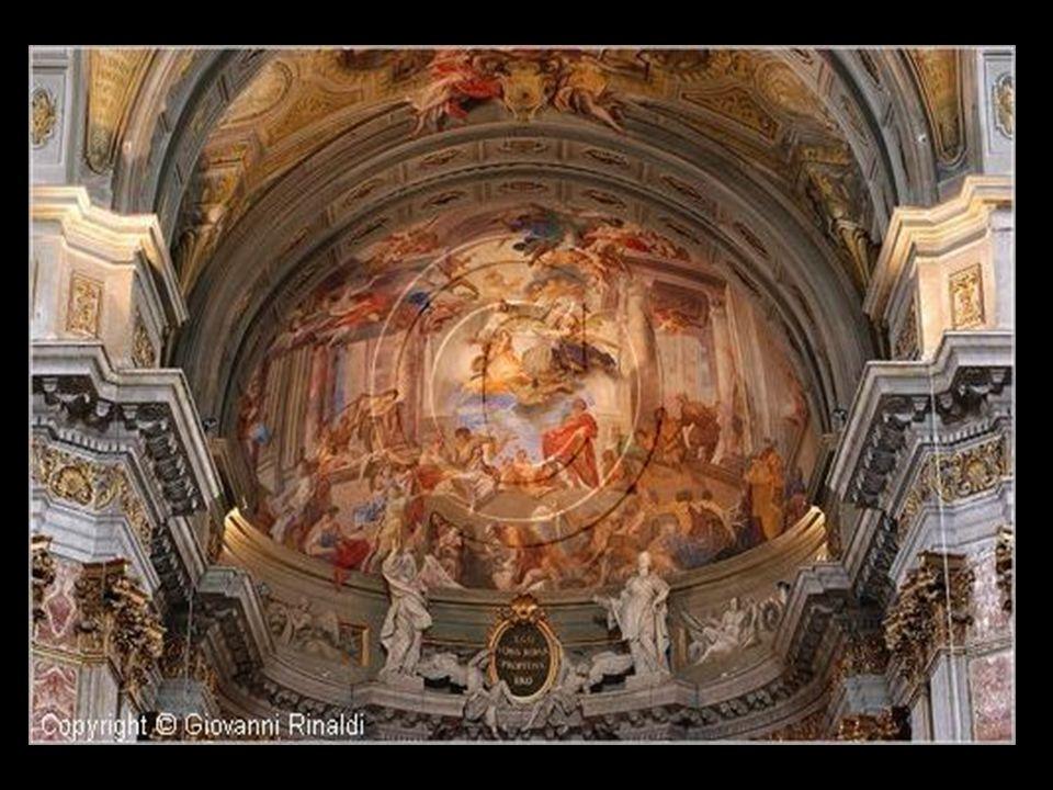 San Ignacio de Loyola es una iglesia construida en 1626 y dedicada a San Ignacio de Loyola, el fundador de la Compañía de Jesús. El Colegio Romano con