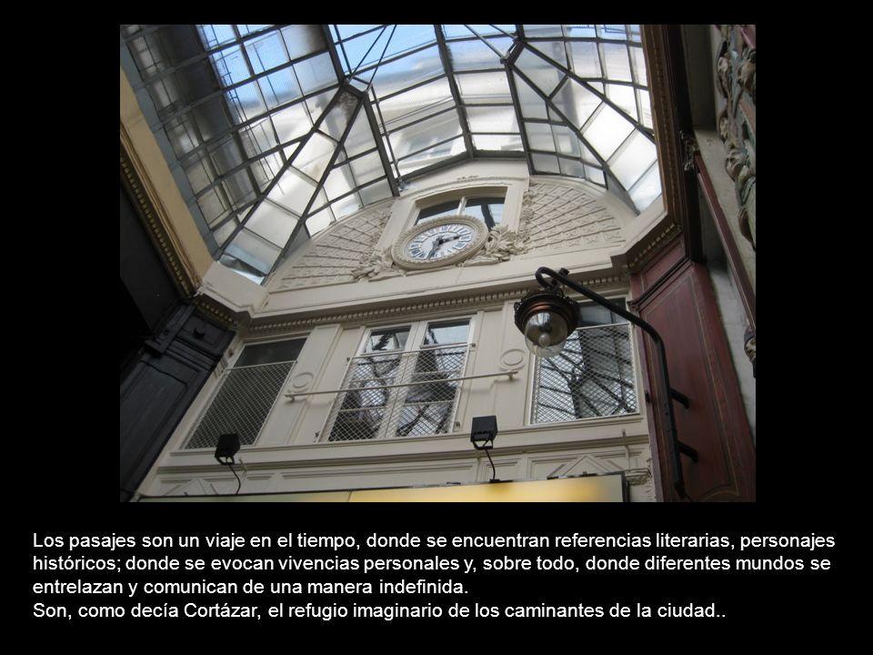 En el otro extremo de la ciudad, no lejos del Arco de Triunfo, se encuentra una galería cuyo nombre da curiosidad: La Cité Argentine. Construida en 19
