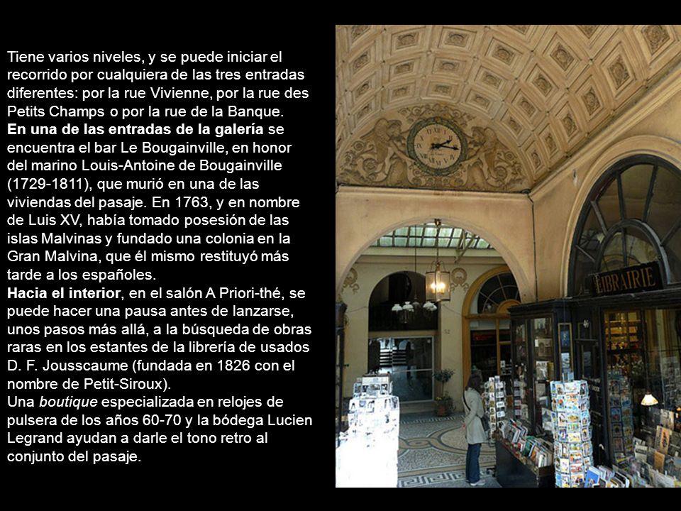 Galerie Vivienne 4, rue des Petits Champs. 5,rue de la Banque y 6,rue Vivienne, La reciente restauración le devolvió a la Gelerie Vivianne un poco de
