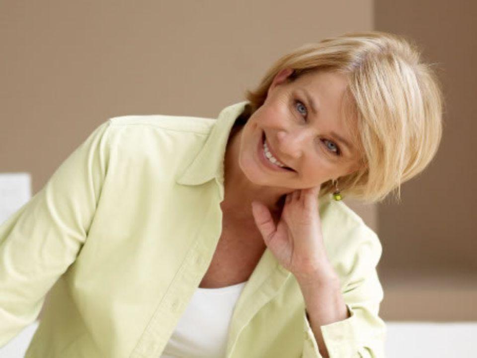 Hay una indescifrable y tentadora belleza en la personalidad de muchas Mujeres que hoy están en la edad madura. Claro, la regla entera tiene sus excep