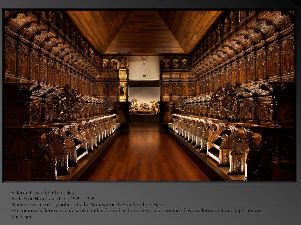 Otro aspecto del Patio del Museo con detalles de las arquerías.
