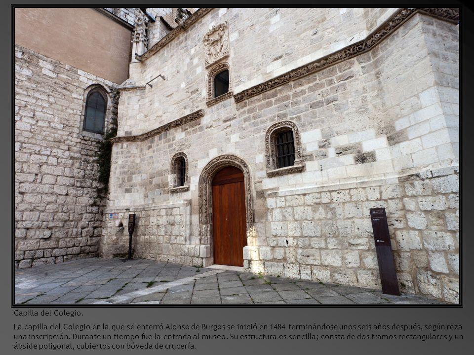 Detalle de la entrada al Museo de Escultura.