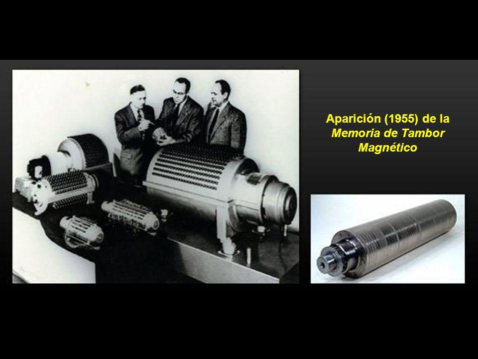 En 1948, Claude Shannon desarrolló una teoría basada en la numeración binaria, introduciendo el concepto de bit (binary digit). En la foto, ordenador