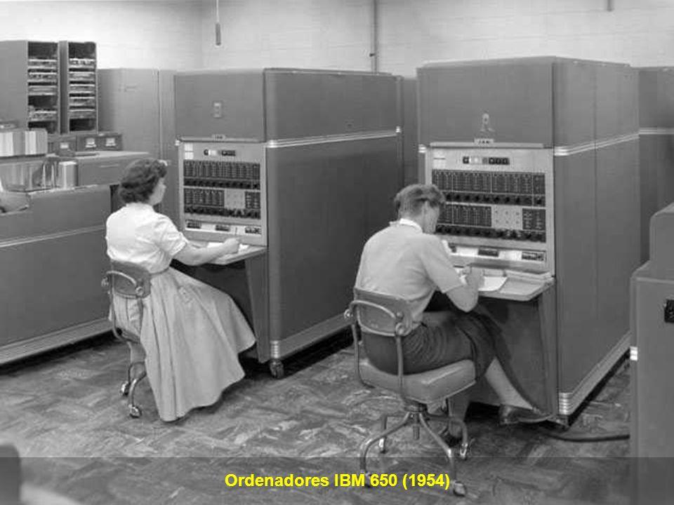 Aparición (1955) de la Memoria de Tambor Magnético