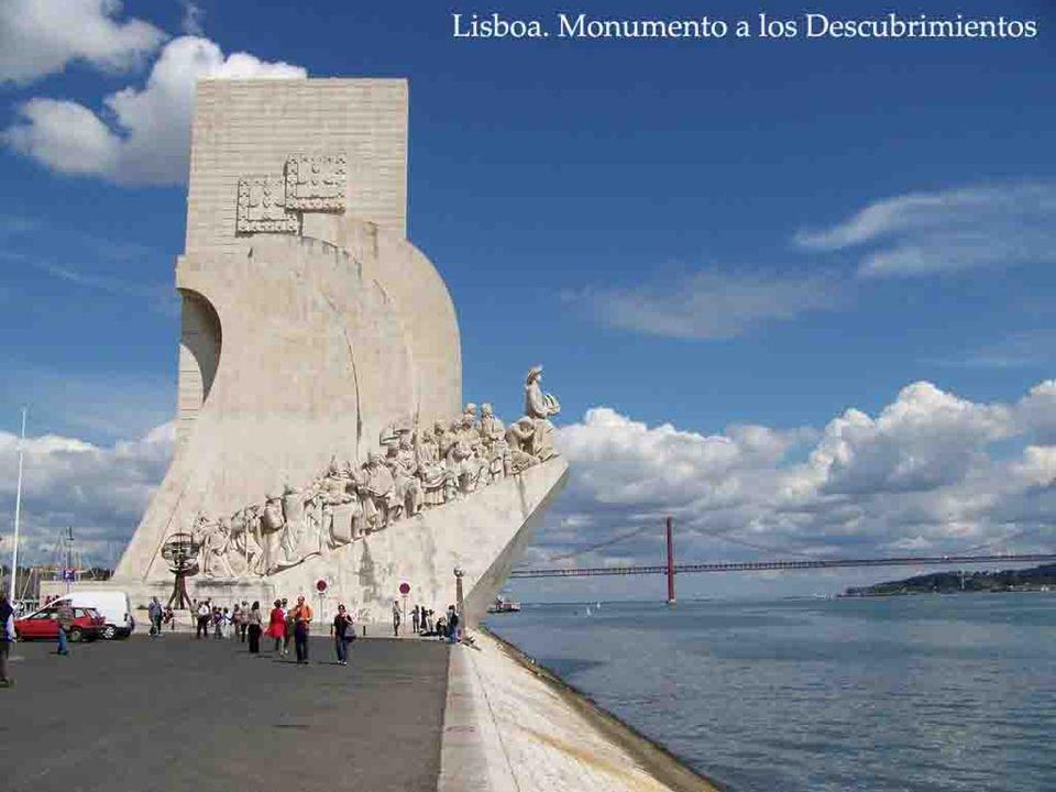 El Siglo XVI fue la era dorada de LISBOA, por los descubrimientos. La Torre de Belén, controlaba las entradas y salidas en el Puerto.