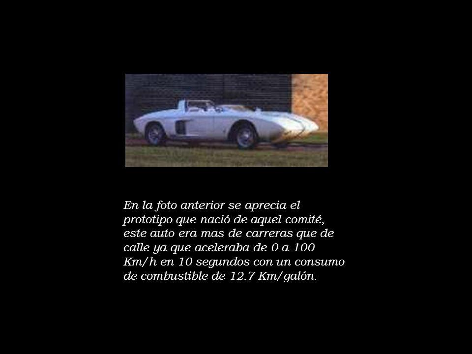 El Mustang II Entre 1965 y 1973, el Ford Mustang ganó mas de 300 kilos de peso y se alargó 30 cm, lo que lo hacía un automovil muy voluminoso, sin embargo la crisis petrolera de 1973, hizó que todos los fabricantes de automoviles comenzaran a ofrecer modelos menos pesados, menos consumidores y menos contaminadores del ambiente.