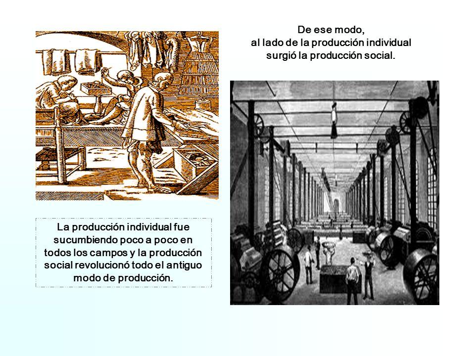 Para poner en funcionamiento sus medios de producción ( fábricas, máquinas, materias primas, su capital) los capitalistas contratan a los obreros por un salario.