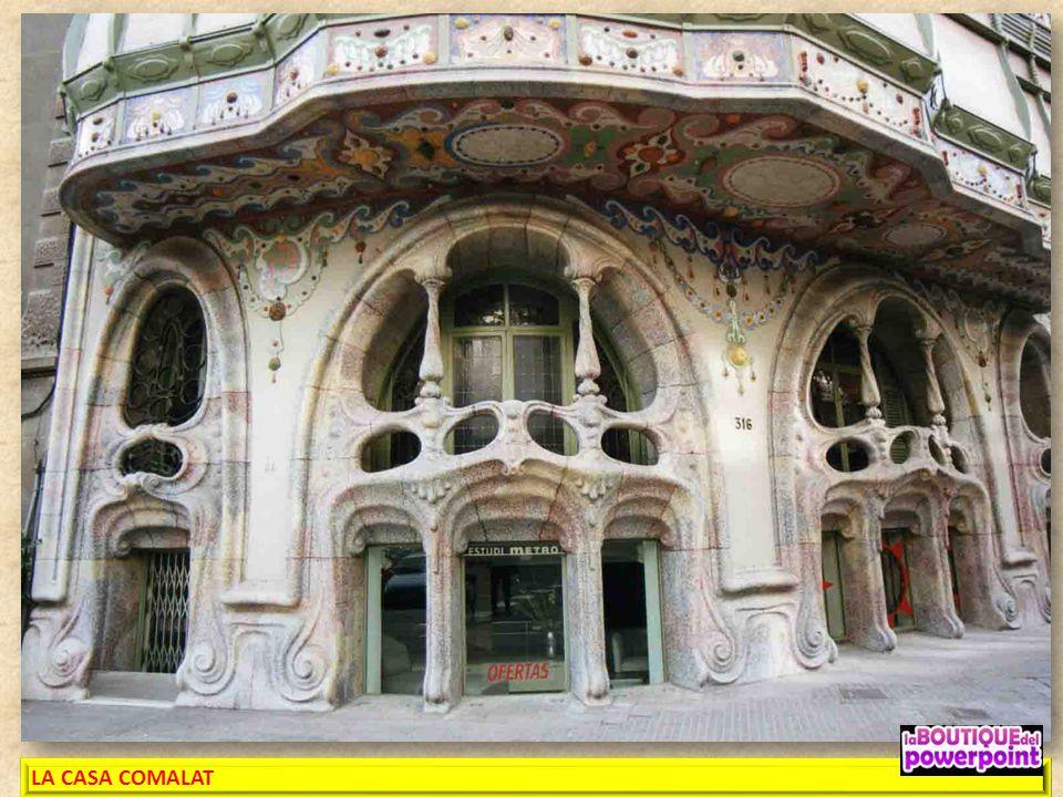 LA CASA COMALAT es un edificio modernista y con fachada posterior de la calle Córcega en siendo un proyecto del año 1906 efectuado en 1911 por el Arqu