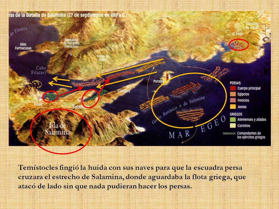 Temístocles fingió la huida con sus naves para que la escuadra persa cruzara el estrecho de Salamina, donde aguardaba la flota griega, que atacó de la
