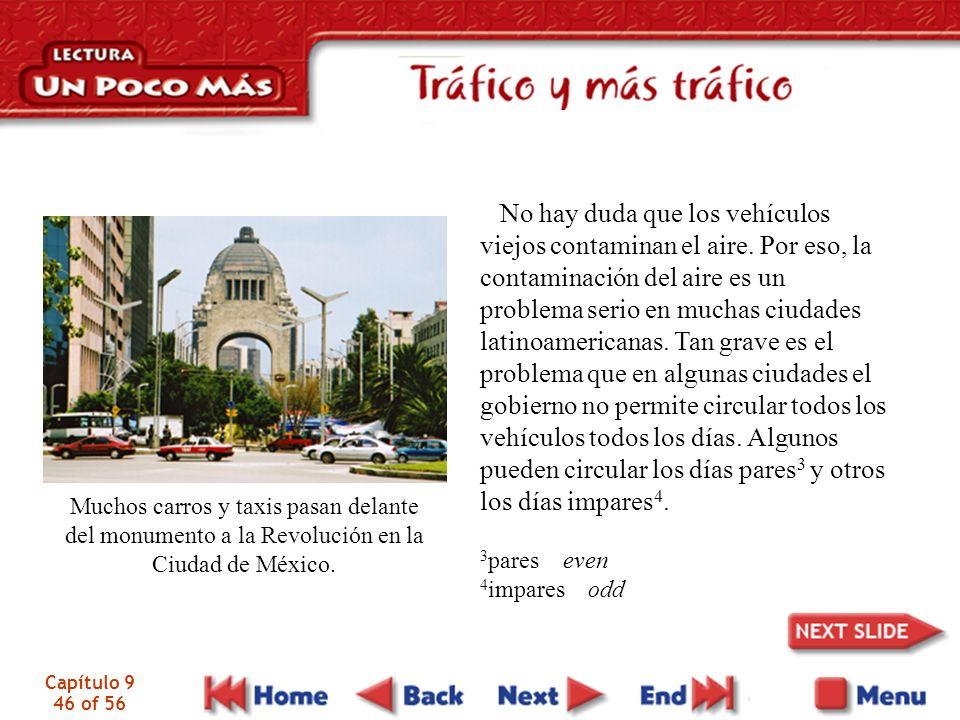 Capítulo 9 46 of 56 Muchos carros y taxis pasan delante del monumento a la Revolución en la Ciudad de México.
