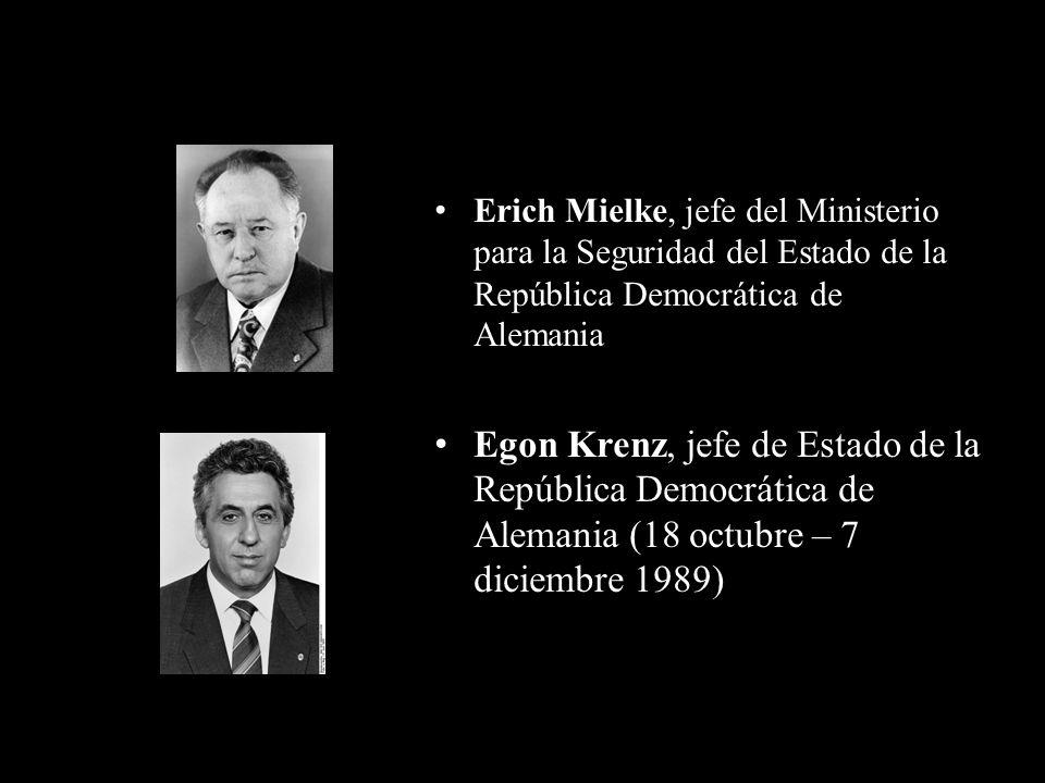 Erich Mielke, jefe del Ministerio para la Seguridad del Estado de la República Democrática de Alemania Egon Krenz, jefe de Estado de la República Demo