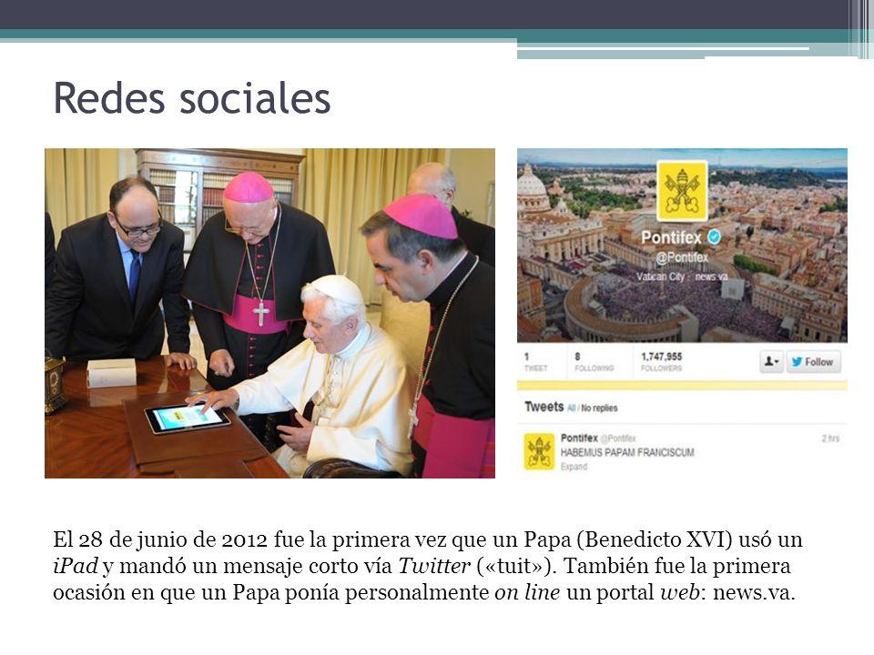Redes sociales El 28 de junio de 2012 fue la primera vez que un Papa (Benedicto XVI) usó un iPad y mandó un mensaje corto vía Twitter («tuit»).