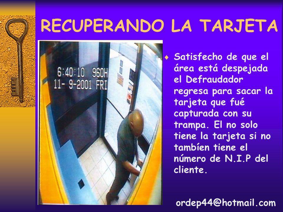L A H U I D A En poseción de la tarjeta y el número N.I.P el deja el cajero y lleva consigo $4000 pesos de la cuenta.