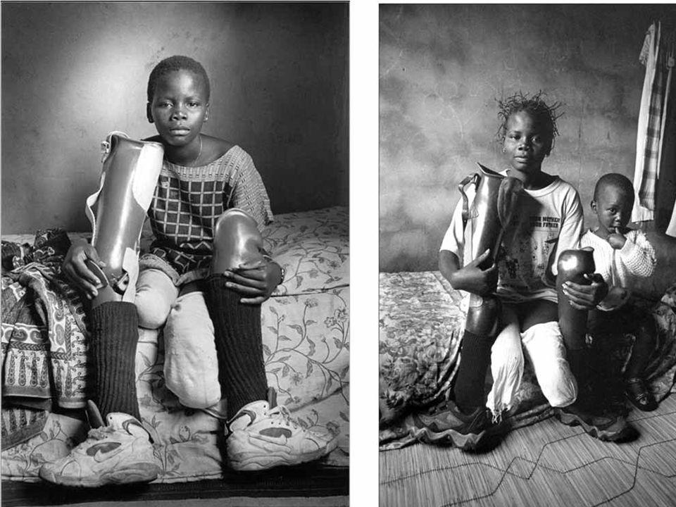 Niños soldados:cruel padecimiento de estos niños que, secuestrados por los grupos guerrilleros que asolan y saquean el país, son utilizados por estas guerrillas para diferentes y trágicas funciones.