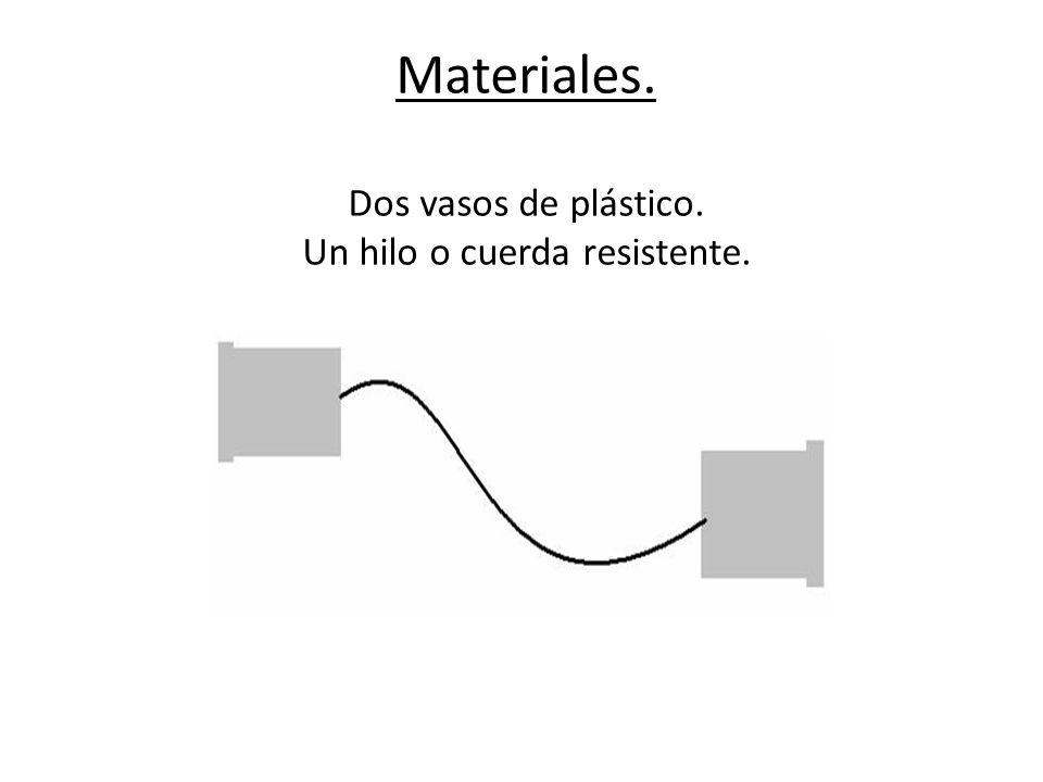 Proceso o elaboración. Se realiza un orificio en el centro de la base de cada vaso. (fondo)