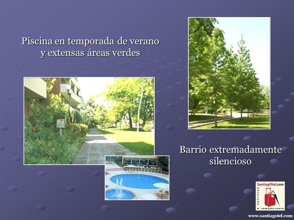 Piscina en temporada de verano y extensas áreas verdes www.santiagotel.com Barrio extremadamente silencioso