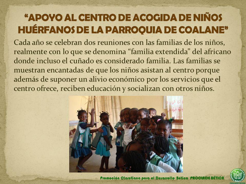 Cada año se celebran dos reuniones con las familias de los niños, realmente con lo que se denomina familia extendida del africano donde incluso el cuñ