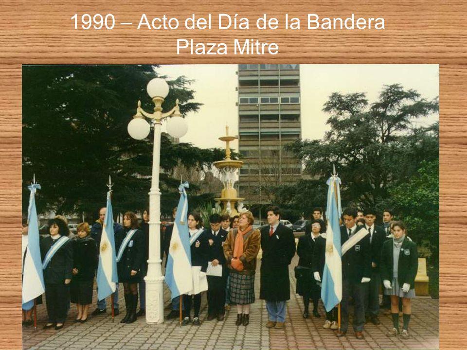1990 – Acto del Día de la Bandera Plaza Mitre