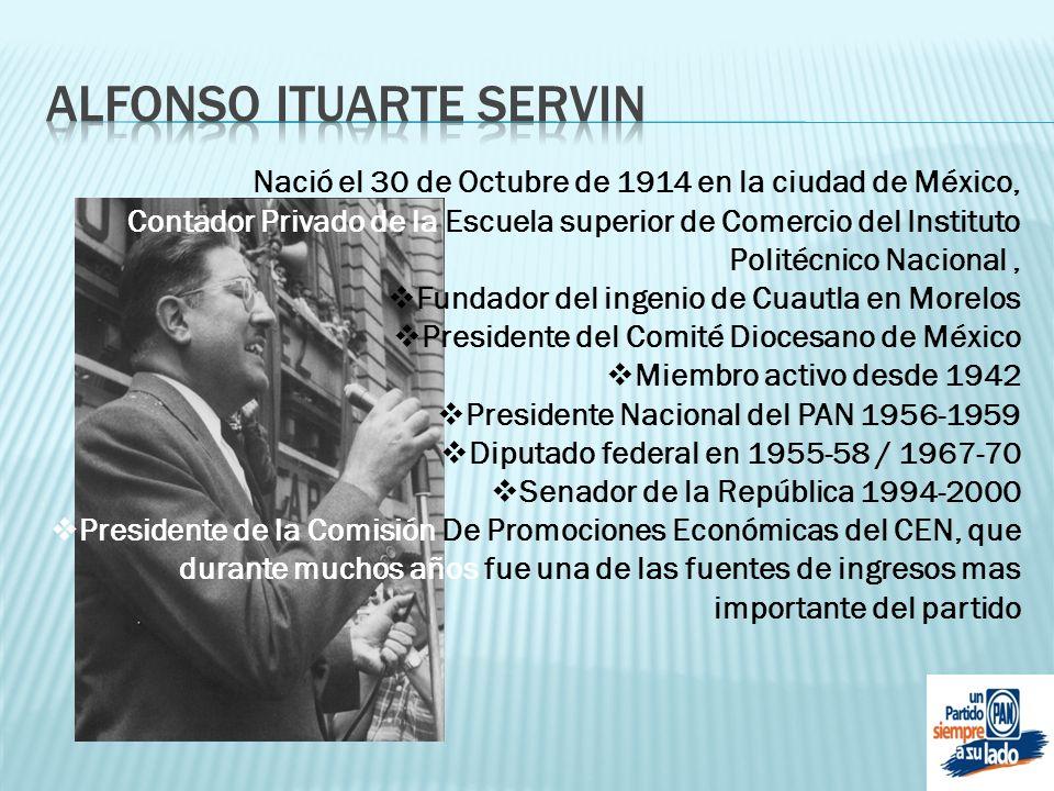 Nació el 30 de Octubre de 1914 en la ciudad de México, Contador Privado de la Escuela superior de Comercio del Instituto Politécnico Nacional, Fundado