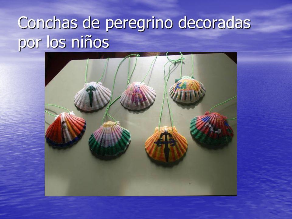 Conchas de peregrino decoradas por los niños