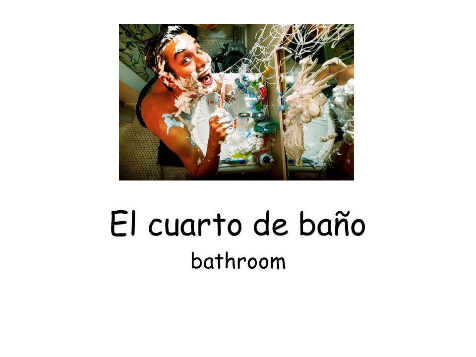 El cuarto de baño bathroom