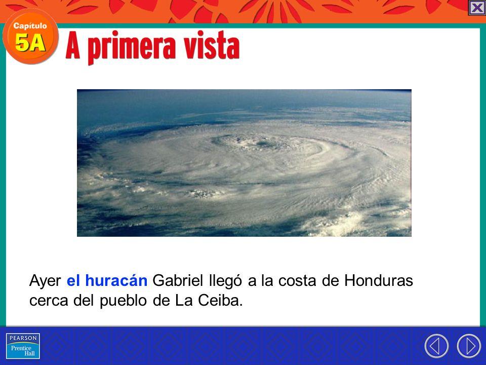 Ayer el huracán Gabriel llegó a la costa de Honduras cerca del pueblo de La Ceiba.
