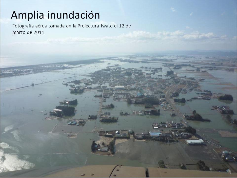 Amplia inundación Fotografía aérea tomada en la Prefectura Iwate el 12 de marzo de 2011 6