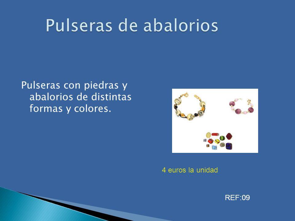 Pulseras con piedras y abalorios de distintas formas y colores. 4 euros la unidad REF:09