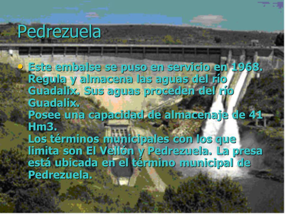 Pedrezuela Este embalse se puso en servicio en 1968. Regula y almacena las aguas del río Guadalix. Sus aguas proceden del río Guadalix. Posee una capa