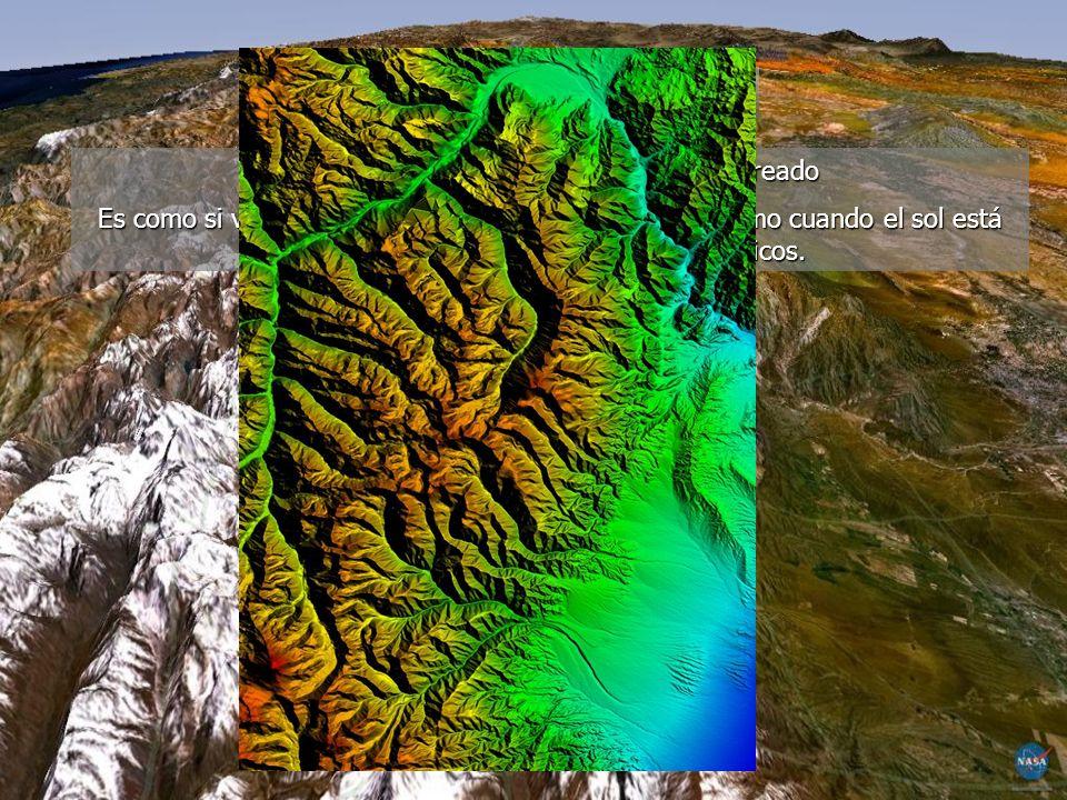 MAPAS TOPOGRÁFICOS CONCEPTOS BÁSICOS ESCALA: indica la relación existente entre una distancia medida en el terreno y la misma distancia representada en el mapa.