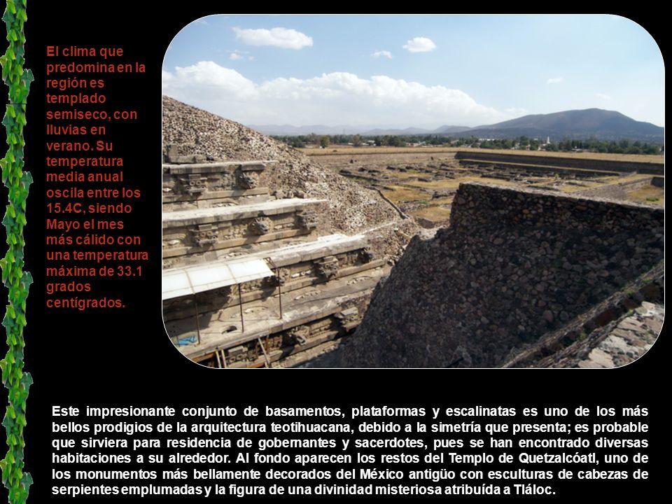 La Ciudadela es un área bien nivelada, una plaza, rodeada por una ancha muralla de piedras sobre la cual había edificaciones, tal vez casas o pequeños