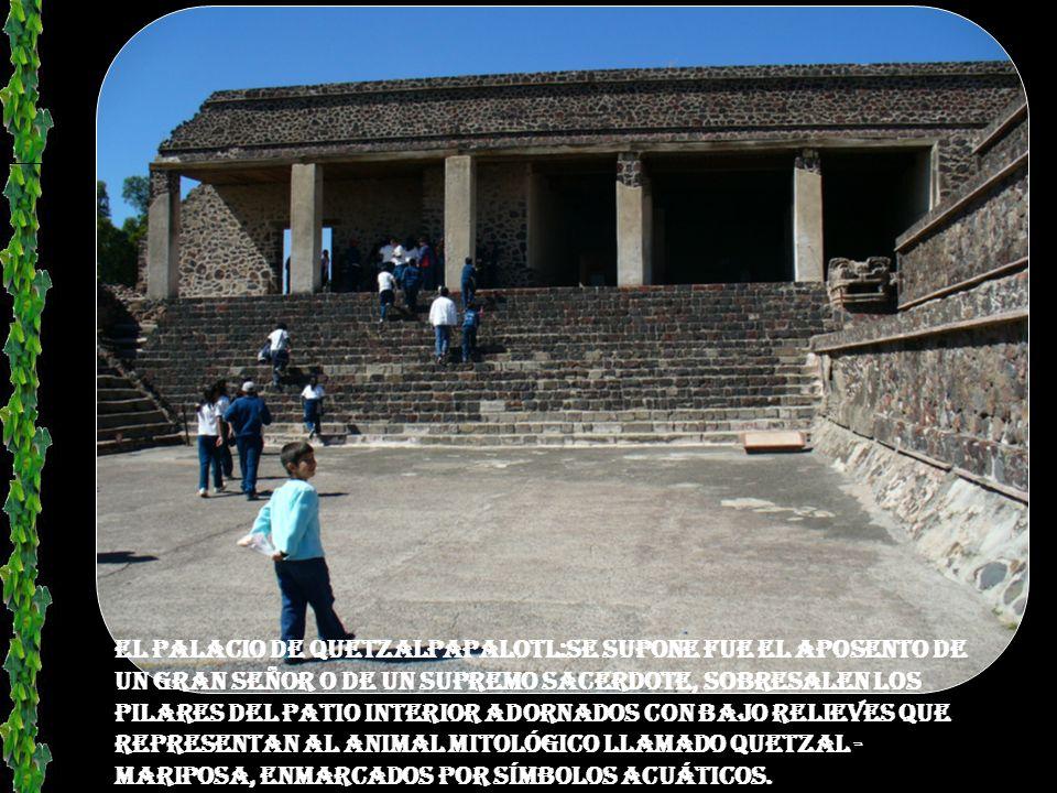 Templo DE QUETZALCOATL ( donde se pueden ver las cabezas de la Serpiente de Fuego y la Serpiente Emplumada o Quetzalcóatl).
